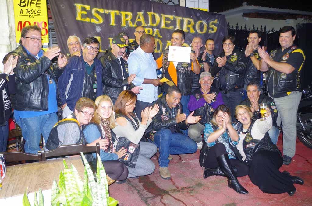 2015 Campanha Agasalho dos Petroquímicos - Moto Clube Estradeiros da ... 00fcf45bead6e
